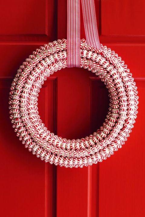 diy-peppermint-wreath